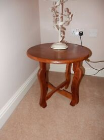 Beautiful Solid Wood Round Collapsible Lamp/Occasional Table