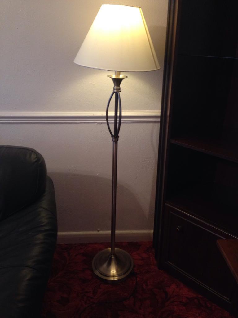 Floor standing lamp (chrome)