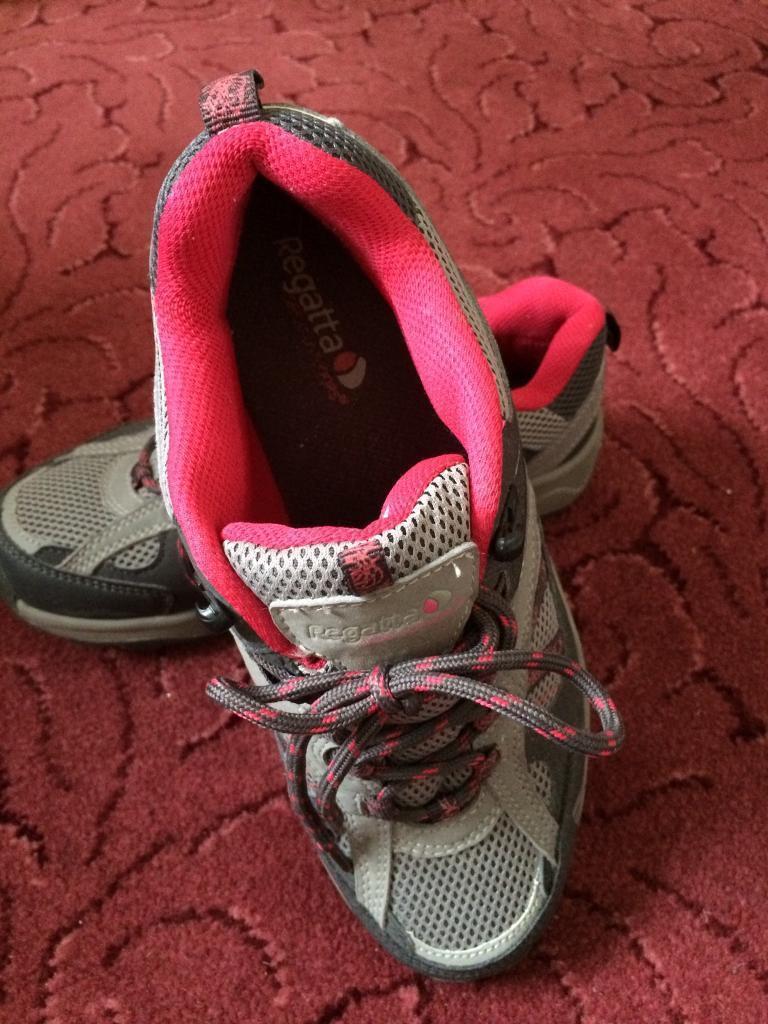 Regatta shoes size 4