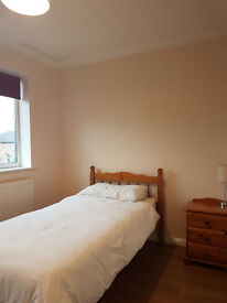 Bright, double room available near town centre