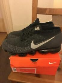 NIKE AIR VAPORMAX UK 9