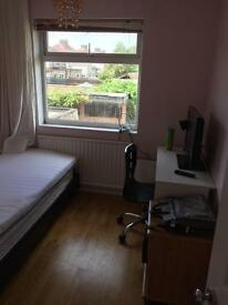Single room in welling-£100pw- clean and fresh available now
