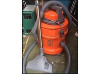 6131 Multivax Vax (vacuum/washer)
