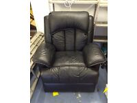 Fully reclining massage chair