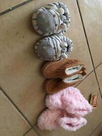 Girls shoes/slippers