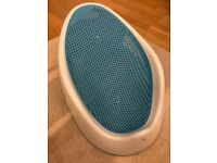 Angelcare bath support in blue