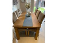 Extendable Solid Oak Dining Table plus 6 Chairs