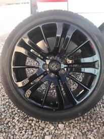 """Set of four genuine Range Rover sport 20"""" alloys tyres"""