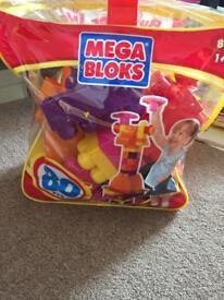 Megabloks bag with 2 Disney princesses
