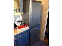 Indesit Fridge Freezer CAA 55 S (UK) - Silver