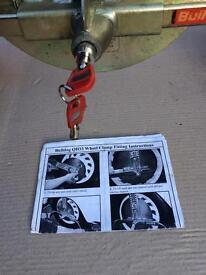 Bulldog QD33 wheel clamp.