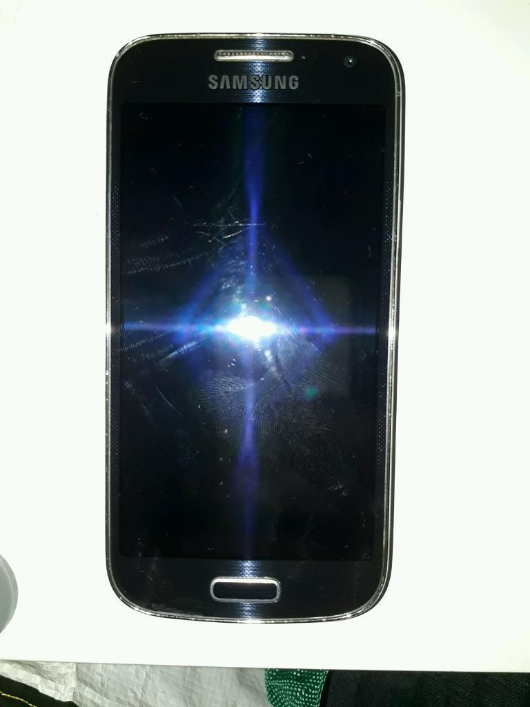samsung s4 miniin Greenock, InverclydeGumtree - samsung s4 mini, network is with 3, good condition as there is no dents or chips in the fone, only scruffs and scratchs but good for its age. fone is in fully functional working order.£35 no offers07516384273