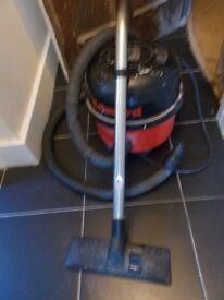 Edward Vacuum Cleaner