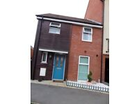 Semi-detached - 3 bedroom house to rent in, Berryfields, Aylesbury HP18 -Unfurnished