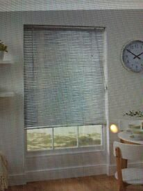 Silver blinds 1pair