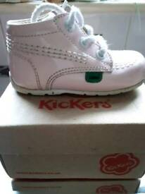 Child's kickers size 6