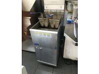 Twin basket gas fryer