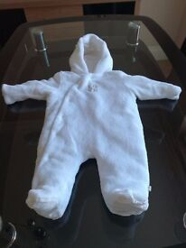 Baby snowsuit/outer layer