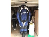 Alpinestars 1 piece leathers USA 44 / Eur 54