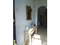 SUITE OF ROOMS IN FRIENDLY HOUSE IN TORQUAY