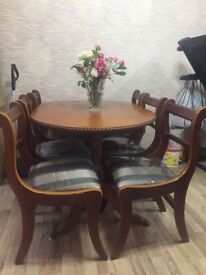 Extendable Dining Table And 6 Chairs Mahogany Wood Great Condition