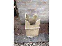 2x chimney pots