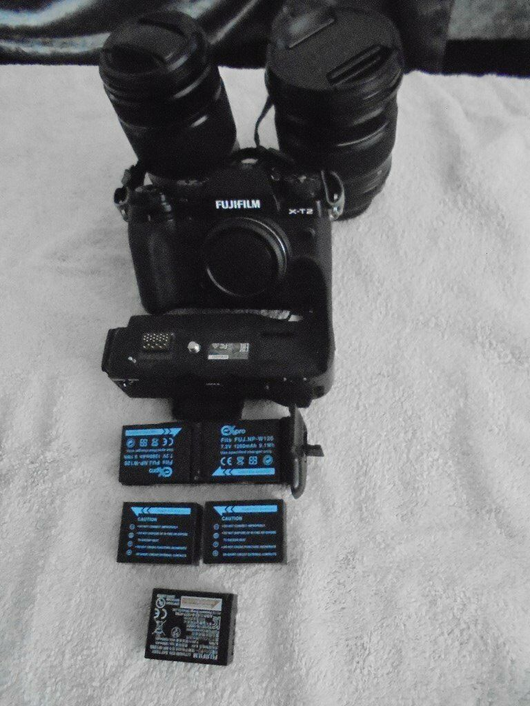 Fuji X-T2 +16-55/ +55-200/+ALL AS NEW CONDITION battery grip/+Fuji flash/+duel charger/+5batteries