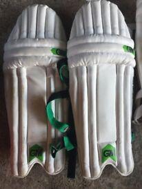 Gunn & Moore cricket pads