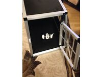 Animal cage for puppy or cat well made ! comes with bottle !!