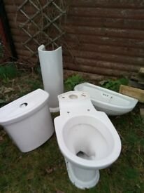 bathroom suite comprising of toilet with citern and pedestal sink