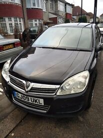 VAUXHALL ASTRA 2009 BLACK 1.6 LIFE FOR SALE. VERY LOW MILEAGE. ELECTRONIC FAULT.