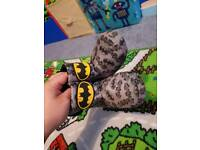 Boys slippers Size 6