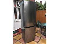 LG GBB39DSJZ 70/30 Fridge Freezer - Dark Steel