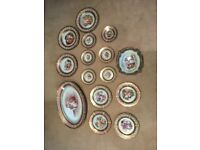 LARGE COLLECTION OF 33 PIECES OF ANTIQUE HAND PAINTED VENETIAN CHINA (PAULY AND SALIVATE)