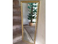 GOLD DISTRESSED FRAME READY TO HANG
