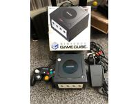NINTENDO GAMECUBE BOXED WITH CONTROLLER