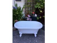 Gorgeous free standing mini baby/toddler roll top bath