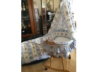 BABY WICKER MOSES BASKET/CRADDLE WITH WHEELS AND BRAKE