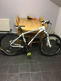 Bike-whyte 805 2014. Excellent condition and recent service