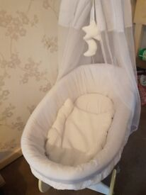 White moses basket/crib with drapes