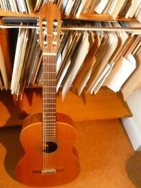 Classical guitar by Joan Castimira. Model 56e. Series 0206.