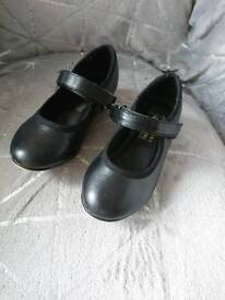 Tap shoes size 7