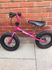 Stompee girls balance bike SOLD