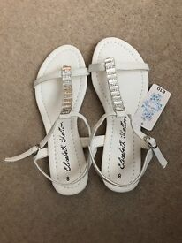 Ladies flip flops brand new with tags size 7/8