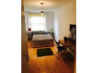 Nice twin room in zone 2. No fees. All bills included