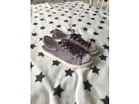 Lilac velvet style shoes