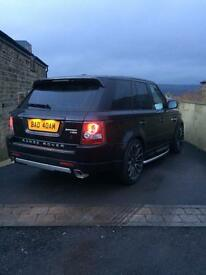 Rr sport 3.0 tdv6 . Auto biography , 22 inch turbines , stunning inside and out