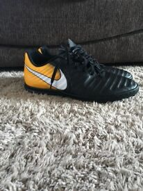 Nike Tiempo x size 9 AstroTurf football boots/trainers