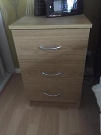 2 Bedside tables in Oak effect