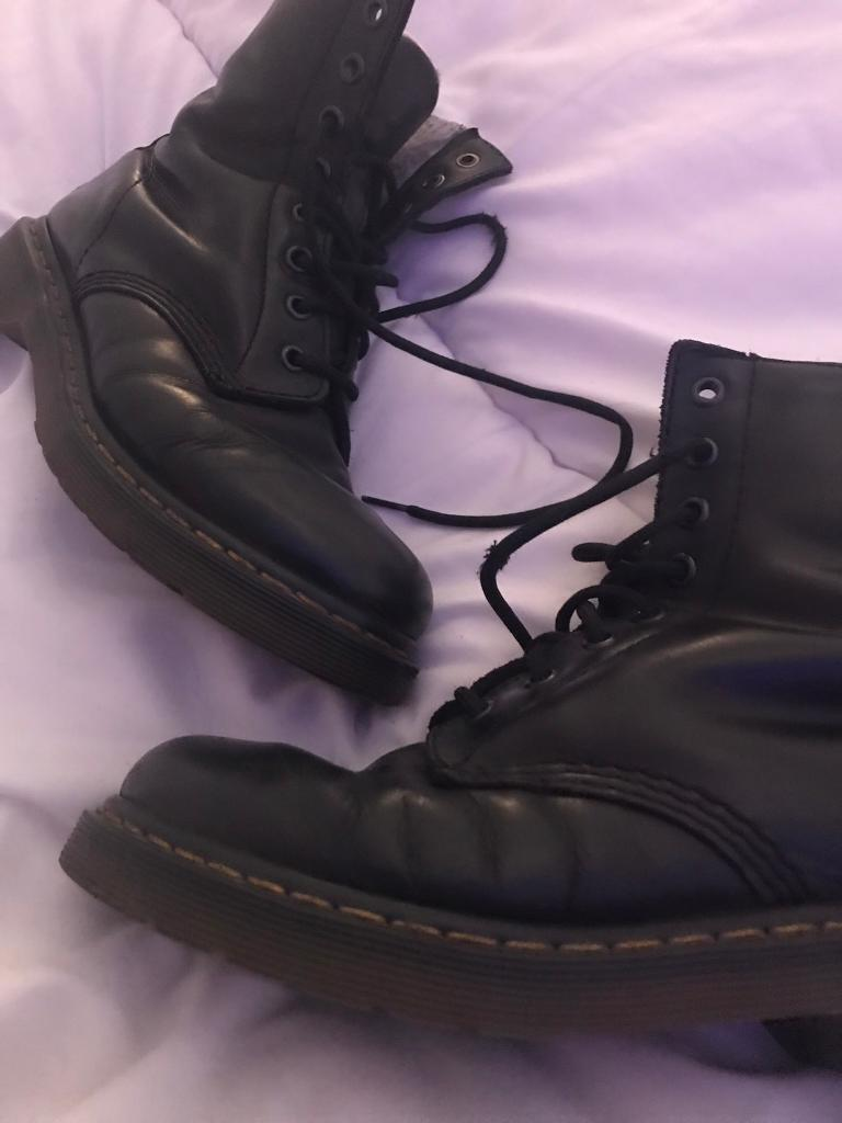 Fleece lined dr martin boots size 4